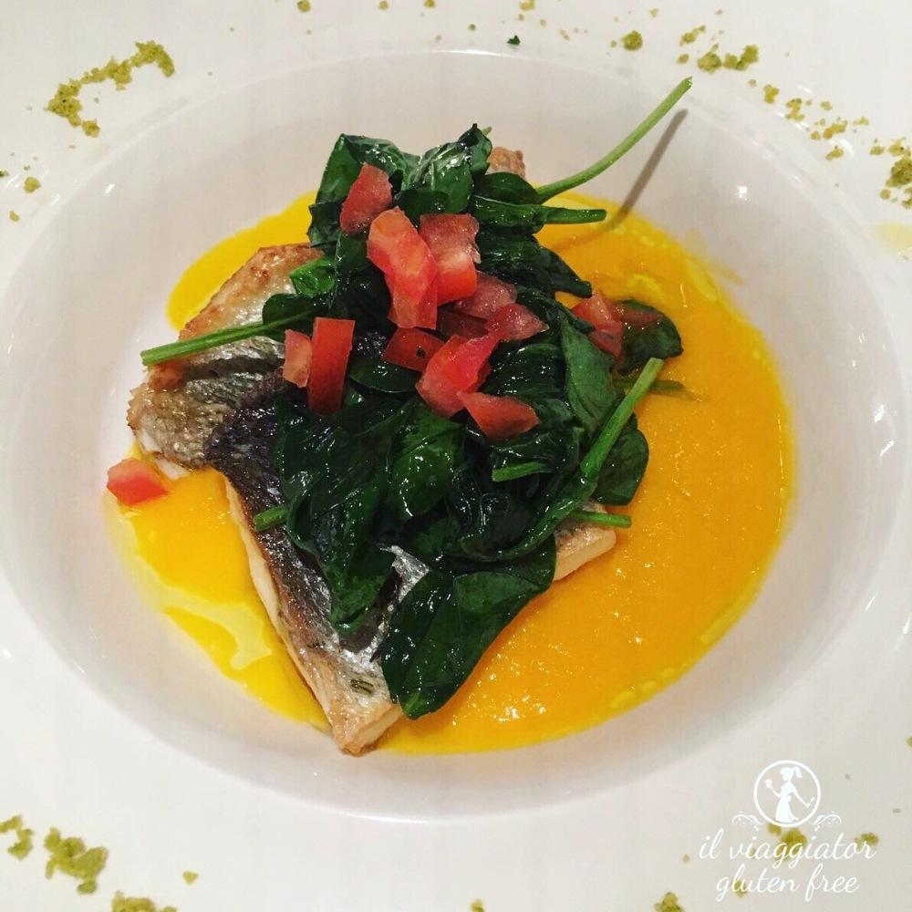Meltemi (Parma) - Spigola senza glutine su purè di carote allo zenzero e spinacino novello